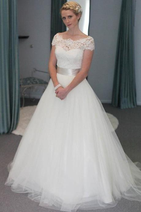 Scoop Lace Tulle A-line Wedding Dress With Short Sleeves and Ribbon Sash