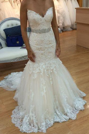 Strapless Sweetheart Lace Appliqués Tulle Mermaid Wedding Dress with Beaded Sash